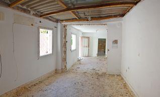 ανακαίνιση σπιτιού στην Πετρούπολη