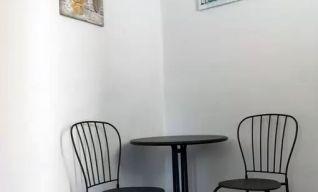 Ανακαίνιση σε ενοικιαζόμενα δωμάτια στο λιμάνι των Χανιών