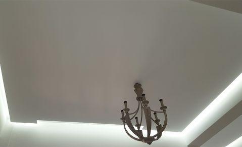 Ανακαίνιση-διακόσμηση με πατητή τσιμεντοκονία σε σαλόνι